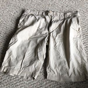 Men's light khaki shorts